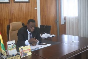 WESTERN REGIONAL MINISTER MEETS STATE PRESS.